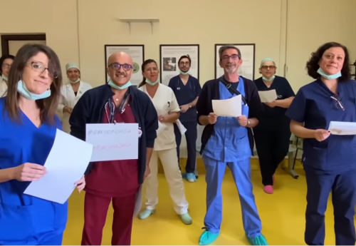 """""""Cantiamo la speranza"""" – Ecco l'Inno dei medici contro il coronavirus scritto da Mogol"""